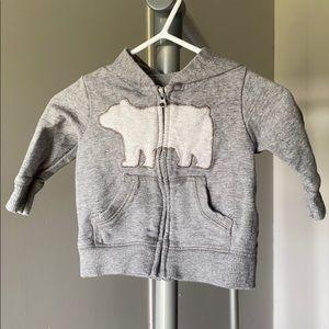 Baby sweater bear theme